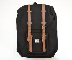 Рюкзак Herschel Little America Backpack 17L, черный с коричневыми пряжками