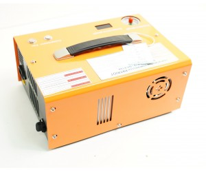 Компрессор компактный Patriot E12FA, 3-х ступенчатый 300 атм + адаптер 220/12 В